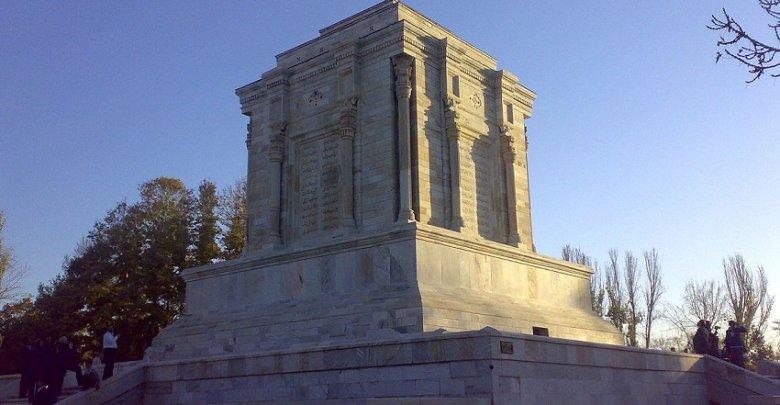 باستان گرایی و معماری پهلوی